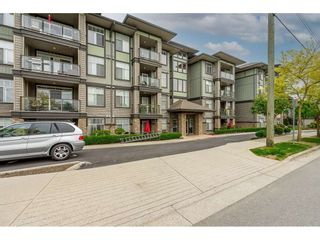 Photo 2: 205 2068 SANDALWOOD Crescent in Abbotsford: Central Abbotsford Condo for sale : MLS®# R2554332