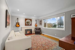 Photo 6: 1698 North Dairy Rd in : SE Camosun House for sale (Saanich East)  : MLS®# 863926