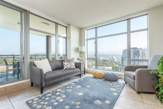 """Photo 3: 2002 280 ROSS Drive in New Westminster: Fraserview NW Condo for sale in """"THE CARLYLE"""" : MLS®# R2504994"""