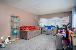"""Photo 2: 160 7790 KING GEORGE Boulevard in Surrey: East Newton Manufactured Home for sale in """"Crispen Bays"""" : MLS®# R2593825"""