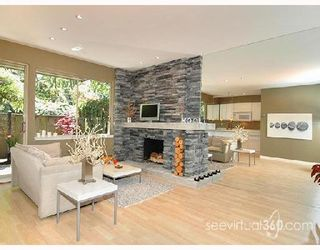 "Photo 1: 401 235 KEITH Road in West_Vancouver: Cedardale Condo for sale in ""SPURAWAY GARDENS"" (West Vancouver)  : MLS®# V745651"