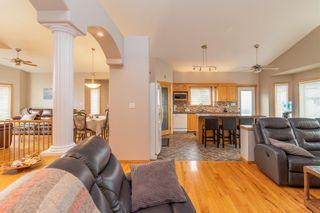 Photo 4: 8015 162 Avenue in Edmonton: Zone 28 House for sale : MLS®# E4253743