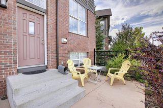Photo 2: 83 NEW BRIGHTON Common SE in Calgary: New Brighton Row/Townhouse for sale : MLS®# A1027197
