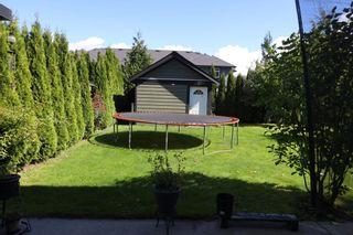 Photo 3: 38826 BUCKLEY Avenue in Squamish: Dentville 1/2 Duplex for sale : MLS®# R2618526