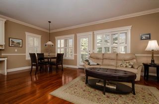 Photo 4: 356 SIGNATURE Court SW in Calgary: Signal Hill Semi Detached for sale : MLS®# C4220141
