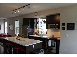 Photo 3: 10 102 FRASER Street in Port Moody: Port Moody Centre Townhouse for sale : MLS®# V1059898