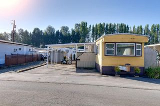 """Photo 2: 100 201 CAYER Street in Coquitlam: Maillardville Manufactured Home for sale in """"WILDWOOD PARK"""" : MLS®# R2309081"""