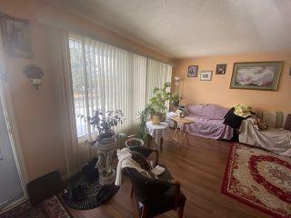 Photo 2: 13607 104A Street in Edmonton: Zone 01 House for sale : MLS®# E4229594