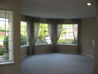 Photo 2: 16218 13 Avenue in SURREY: House for sale (White Rock)  : MLS®# F2521754