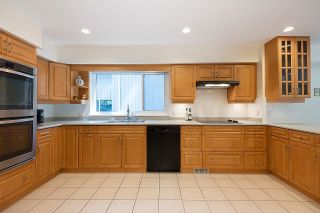 Photo 9: 275 MONTROYAL Boulevard in North Vancouver: Upper Delbrook House for sale : MLS®# R2603979