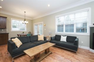 Photo 2: 1738 E 7TH Avenue in Vancouver: Grandview VE 1/2 Duplex for sale (Vancouver East)  : MLS®# R2328974
