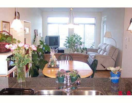 """Photo 2: Photos: 15380 102A Ave in Surrey: Guildford Condo for sale in """"Charlton Park"""" (North Surrey)  : MLS®# F2622859"""