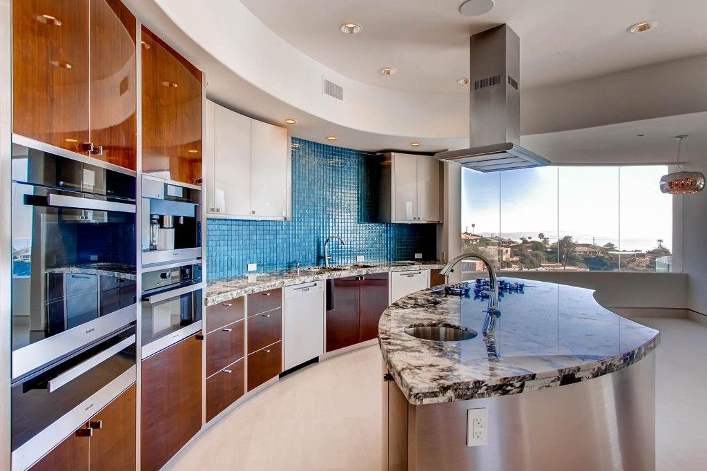 Photo 13: Photos: Residential for sale : 5 bedrooms :  in La Jolla