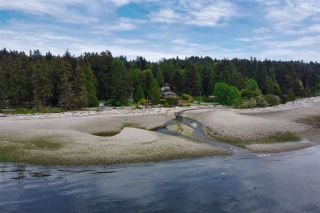 "Photo 35: 1470 VERNON Drive in Gibsons: Gibsons & Area House for sale in ""Bonniebrook"" (Sunshine Coast)  : MLS®# R2558606"