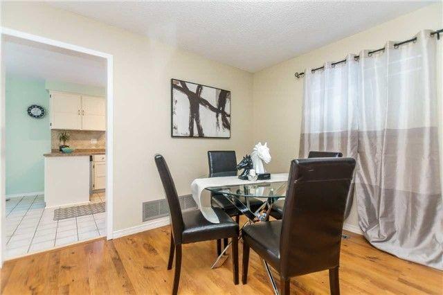 Photo 6: Photos: 3 Shenstone Avenue in Brampton: Heart Lake West House (2-Storey) for sale : MLS®# W4032870