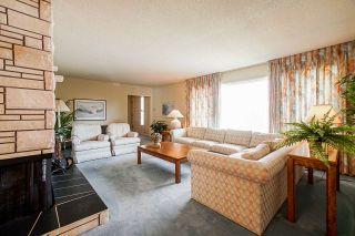 """Photo 5: 1283 PARKER Street: White Rock House for sale in """"EAST BEACH"""" (South Surrey White Rock)  : MLS®# R2562015"""