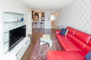 "Photo 6: 310 977 MAINLAND Street in Vancouver: Yaletown Condo for sale in ""YALETOWN PARK III by Wall Financial"" (Vancouver West)  : MLS®# R2241322"