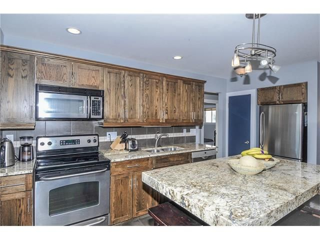 Photo 3: Photos: 1912 GLENWOOD Drive SW in Calgary: Glendale House for sale : MLS®# C4093243