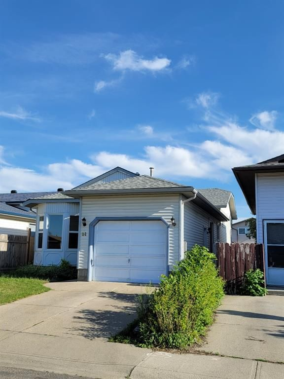 Main Photo: 51 whitworth Road NE in Calgary: Whitehorn Detached for sale : MLS®# A1151173