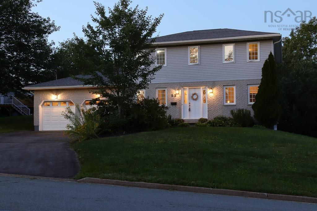 Main Photo: 55 Granville Road in Bedford: 20-Bedford Residential for sale (Halifax-Dartmouth)  : MLS®# 202123532