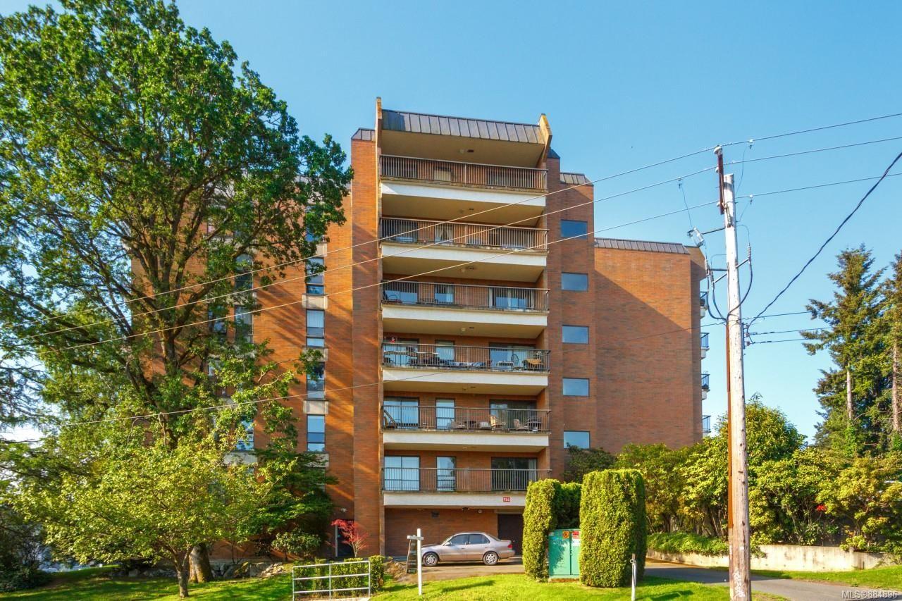Main Photo: 402 4030 Quadra St in : SE High Quadra Condo for sale (Saanich East)  : MLS®# 884896