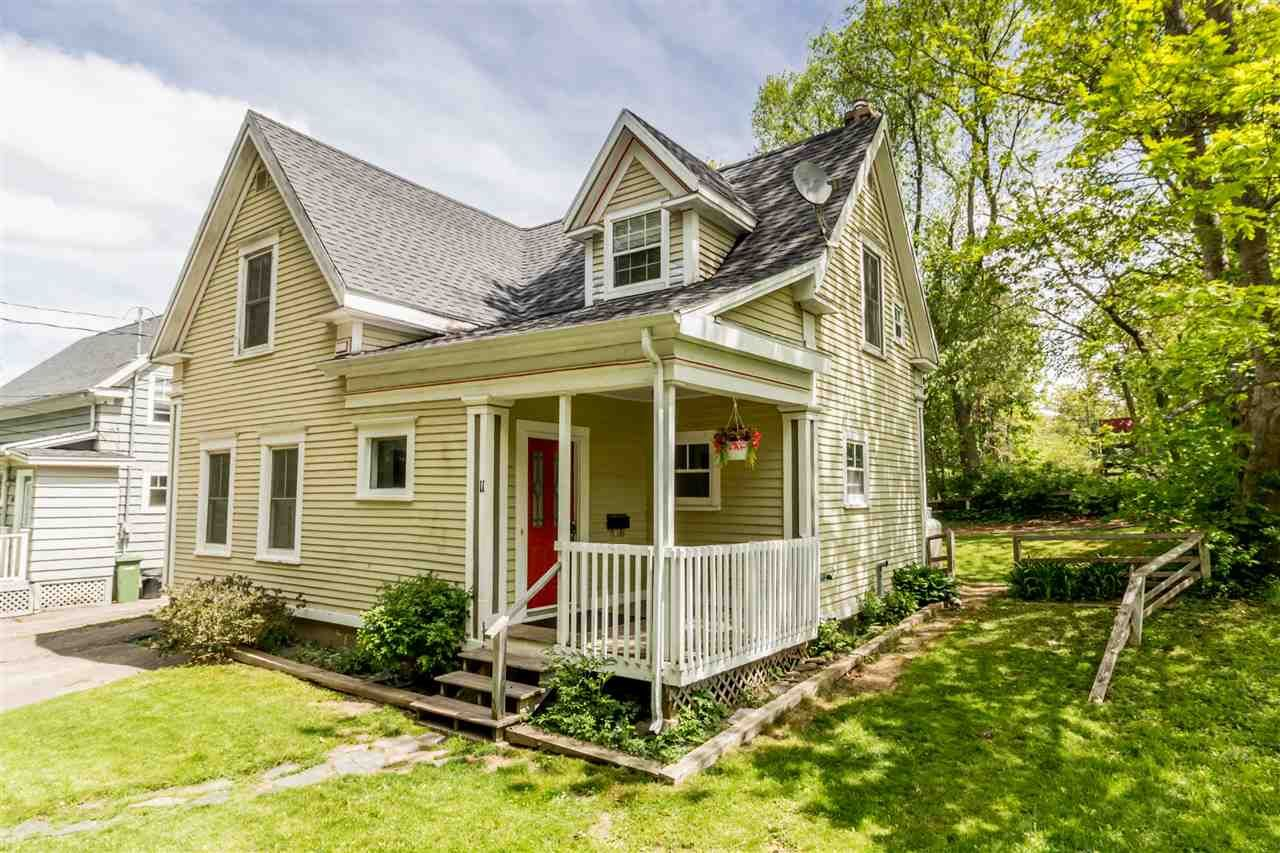 Main Photo: 11 ORCHARD Avenue in Wolfville: 404-Kings County Residential for sale (Annapolis Valley)  : MLS®# 202009295