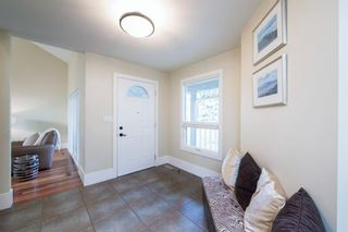 Photo 3: 44 Strathlorne Crescent SW in Calgary: Strathcona Park Detached for sale : MLS®# A1145486