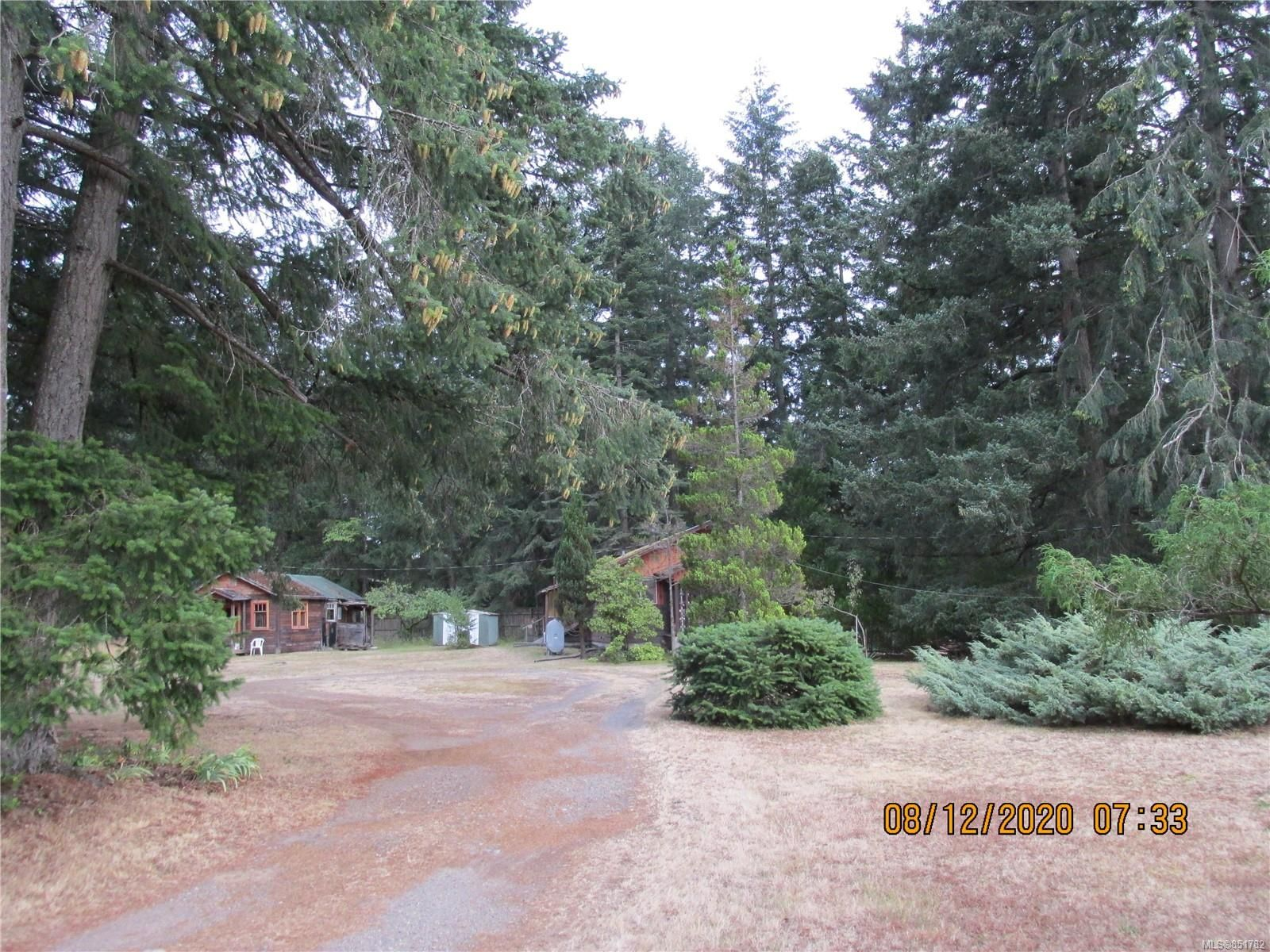Main Photo: 456 Torrence Rd in : CV Comox Peninsula House for sale (Comox Valley)  : MLS®# 851782