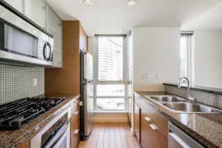 """Photo 16: 805 980 COOPERAGE Way in Vancouver: Yaletown Condo for sale in """"COOPERS POINTE by Concord Pacific"""" (Vancouver West)  : MLS®# R2614161"""