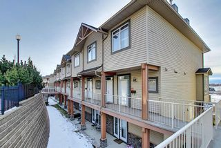 Photo 3: 19 117 Rockyledge View NW in Calgary: Rocky Ridge Row/Townhouse for sale : MLS®# A1061525