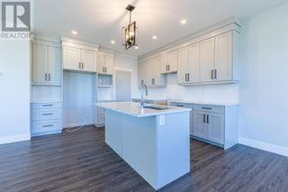 Photo 5: 4864 LOGAN CRESCENT in Prince George: House for sale : MLS®# R2535701