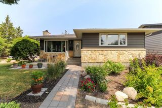 Photo 1: 237 Knowles Avenue in Winnipeg: North Kildonan Residential for sale (3G)  : MLS®# 202119694