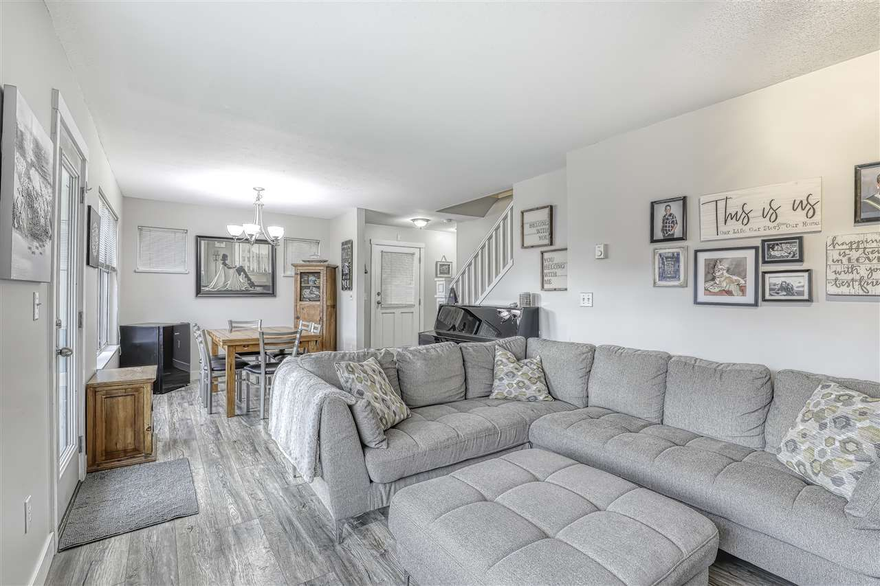 """Photo 6: Photos: 104 12099 237 Street in Maple Ridge: East Central Townhouse for sale in """"GABRIOLA"""" : MLS®# R2436710"""