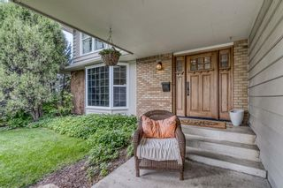 Photo 2: 99 Midpark Crescent SE in Calgary: Midnapore Detached for sale : MLS®# A1143401