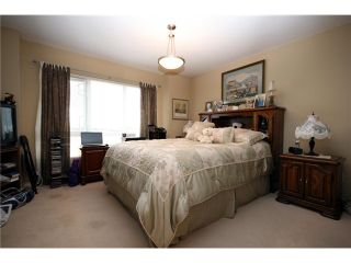 """Photo 8: 9 13028 NO 2 Road in Richmond: Steveston South Townhouse for sale in """"Water Side Village"""" : MLS®# V915444"""
