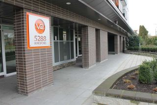 """Photo 2: 105 5288 BERESFORD Street in Burnaby: Metrotown Condo for sale in """"V-2"""" (Burnaby South)  : MLS®# R2028890"""