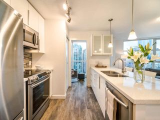 "Photo 7: 2102 1199 SEYMOUR Street in Vancouver: Downtown VW Condo for sale in ""BRAVA"" (Vancouver West)  : MLS®# R2537110"