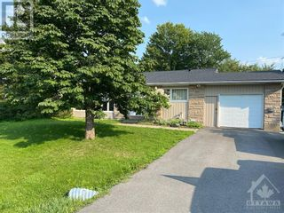 Photo 2: 102 STARWOOD ROAD UNIT#A in Ottawa: House for rent