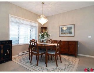 """Photo 5: 415 8880 202ND Street in Langley: Walnut Grove Condo for sale in """"THE RESIDENCES AT VILLAGE SQUARE"""" : MLS®# F2904901"""