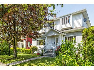"""Photo 2: 3641 W 15TH Avenue in Vancouver: Point Grey House for sale in """"POINT GREY"""" (Vancouver West)  : MLS®# V1006739"""