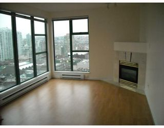 "Photo 1: 2107 939 HOMER Street in Vancouver: Downtown VW Condo for sale in ""THE PINNACLE"" (Vancouver West)  : MLS®# V746950"