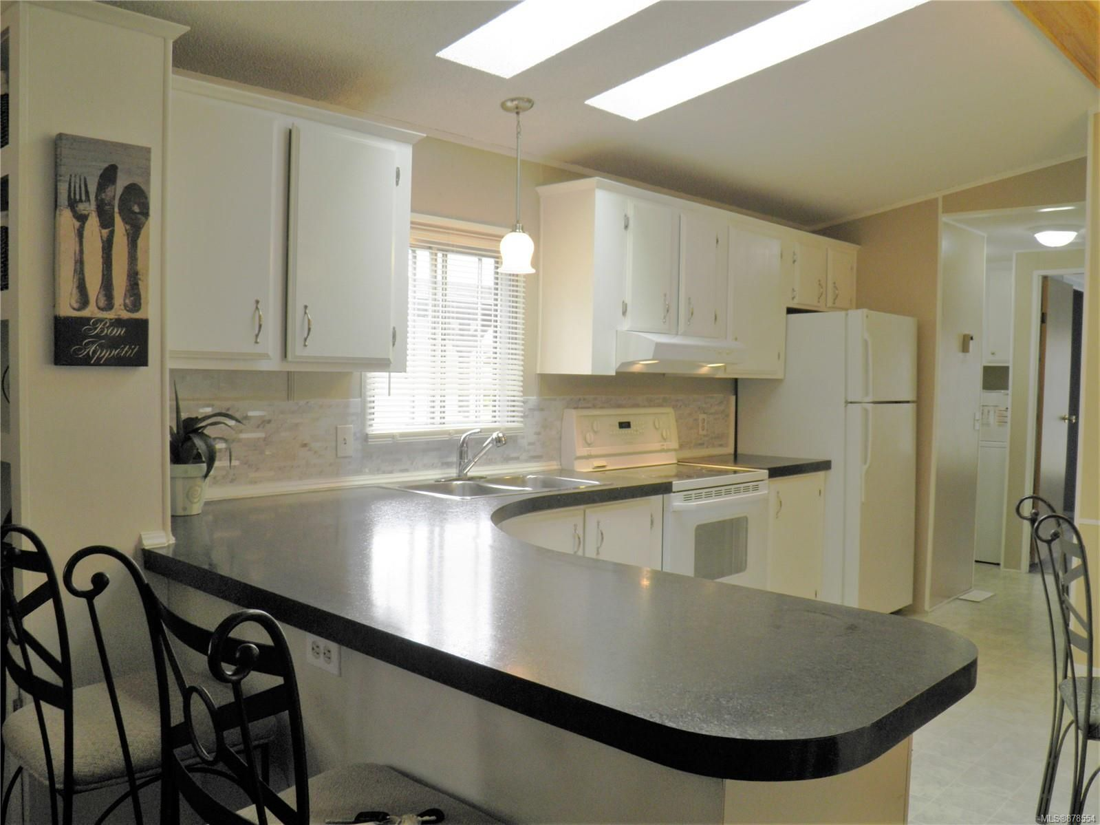 Photo 6: Photos: 56 390 Cowichan Ave in : CV Courtenay East Manufactured Home for sale (Comox Valley)  : MLS®# 878554