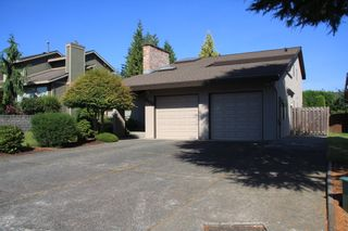 Photo 3: 2472 Sunnyside in Abbotsford: Abbotsford West House for sale : MLS®# R2487351
