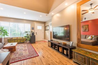Photo 5: 3681 MONMOUTH AVENUE in Vancouver: Collingwood VE House for sale (Vancouver East)  : MLS®# R2500182