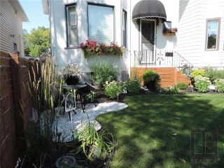 Photo 2: 549 Rathgar Avenue in Winnipeg: Fort Rouge Residential for sale (1Aw)  : MLS®# 1824156