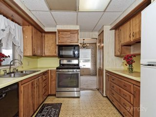 Photo 4: CHULA VISTA Manufactured Home for sale : 2 bedrooms : 445 ORANGE AVENUE #38