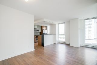 """Photo 13: 805 980 COOPERAGE Way in Vancouver: Yaletown Condo for sale in """"COOPERS POINTE by Concord Pacific"""" (Vancouver West)  : MLS®# R2614161"""