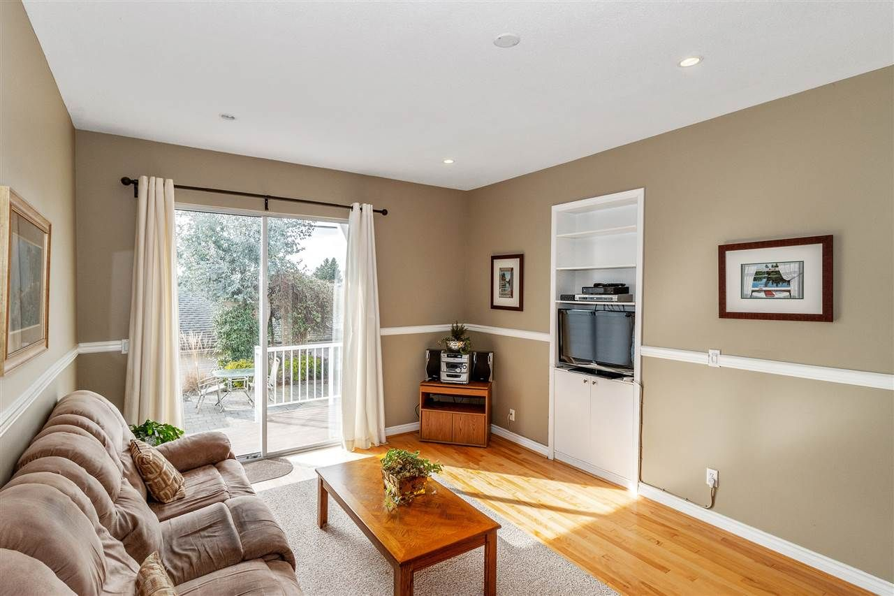 Photo 9: Photos: 337 E 5TH Street in North Vancouver: Lower Lonsdale 1/2 Duplex for sale : MLS®# R2544809