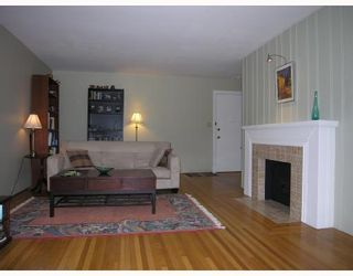 Photo 2: 204 1695 W 10TH Avenue in Vancouver: Fairview VW Condo for sale (Vancouver West)  : MLS®# V718431