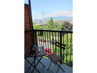 "Photo 6: 306 2142 CAROLINA Street in Vancouver: Mount Pleasant VE Condo for sale in ""WOOD DALE - MT PLEASANT"" (Vancouver East)  : MLS®# V972400"